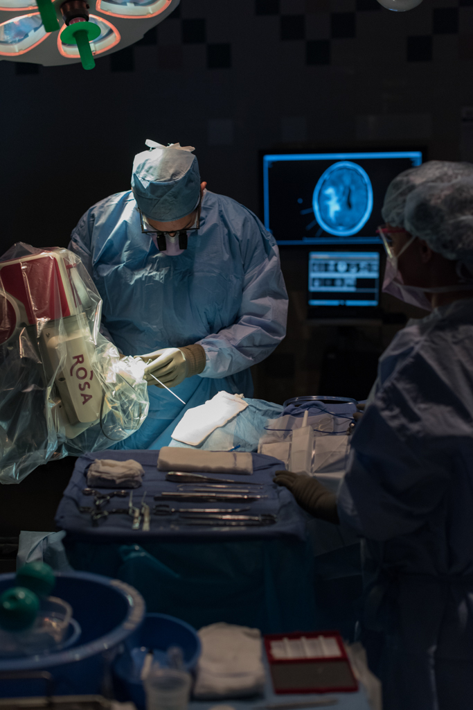 Kelly Ann Photography Commercial Dayton Cincinnati Ohio Medical surgery brain ROSA hospital Operating room location